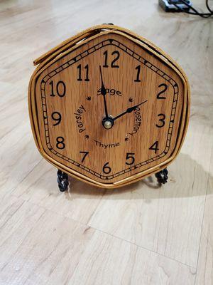 Genuine Longaberger basket clock. for Sale in Woodbridge, VA
