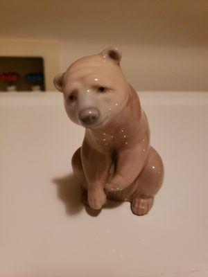 "Plaintive Lladro Polar Bear Figurine # 1208 Arctic Bear ""Resting""~Vintage for Sale in Kent, WA"