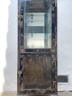 Vintage Medicine Cabinet for Sale in Los Angeles,  CA