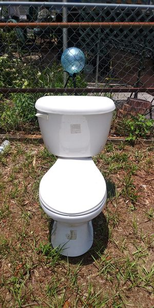 Free toilet for Sale in NEW PRT RCHY, FL