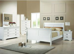 4 pc full size bedroom set mattress not included 1.full bed 1.dresser 1.mirror 1.nighstand for Sale in Fullerton, CA