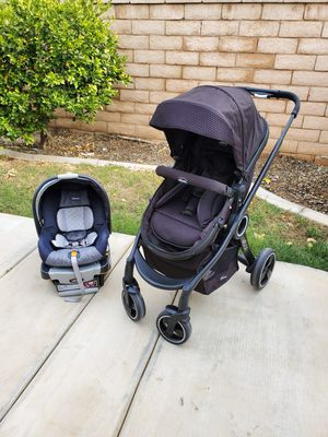 Chicco Urban stroller Travel System for Sale in Perris, CA