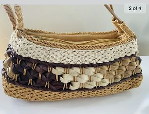 """wicker purse handbag. 17"""" wide, 14""""fall and 4"""" depth. Shipped with USPS Priority Mail. for Sale in Centreville, VA"""