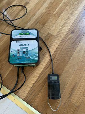 Titan controls Atlas 8 C02 hydroponic for Sale in Troy, MI