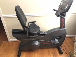 PRE-OWNED Life Cycle R7i Recumbent Exercise Bike for Sale in North Springfield, VA