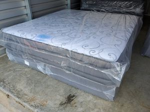 DIAMOND ELITE DOUBLE SIDED KING PILLOWTOP MATTRESS SET for Sale in Douglasville, GA