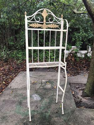 Metal Shelves for Sale in Miami, FL