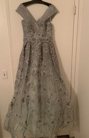prom dress CATWALK brand size 8 for Sale in Simi Valley, CA
