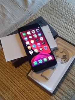iPhone 8 Plus Unlocked 64gb for Sale in Arlington,  VA