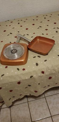 Vendo dos saltenes usados marca Copper chef cuadrados uno 8 in. Y otro 9.5 in for Sale in Miami,  FL
