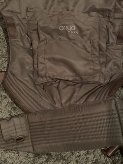 Onya baby carrier for Sale in Kent,  WA