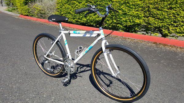 Specialized StumpJumper Comp bike - Mountain bikes- Road bikes - bikes