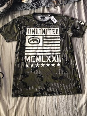 Large camo T shirt for Sale in San Diego, CA