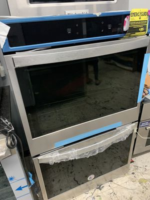 Whirlpool double oven in stainless steel new 2019 for Sale in Los Angeles, CA