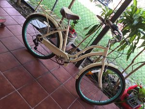Schwinn bike for Sale in Hialeah, FL