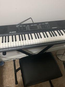 Electric Keyboard Piano for Sale in Lilburn,  GA