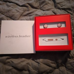 Wireless headset for Sale in Columbus, OH