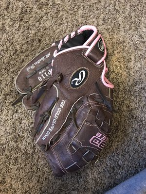Softball glove Rawlings for Sale in Berenda, CA