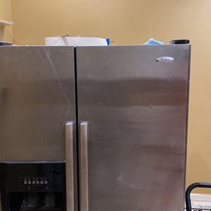 Refrigerator Whirlpool for Sale in Stonecrest, GA