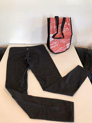 Lululemon skinny Full length leggings plus small shopping bag , Size 6 for Sale in Mukilteo, WA