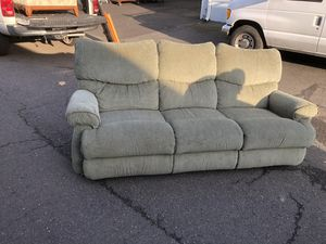 Great Lazyboy couch it is long for Sale in Gresham, OR