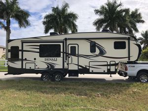 DUTCHMEN DENALI LITE 2901 RL 5TH WHEEL TRAILER 2016 RV CAMPER TRAILER for Sale in Miami, FL