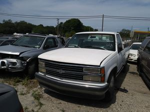 1997 Chevy truck 2500 parts for Sale in Tampa, FL