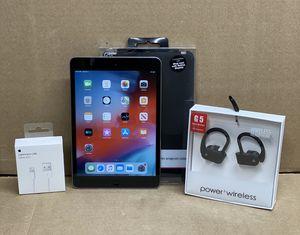 16GB Apple IPad Mini 2 Black w/extras for Sale in Mohnton, PA