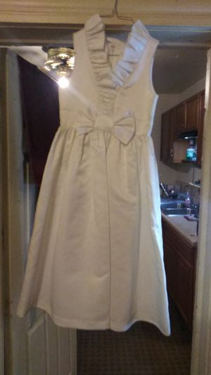 Bonnie Jean white flower girl dress size 8 for Sale in Butler, PA