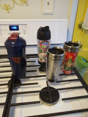 NWT blender and 3 travel mugs for Sale in Glenshaw, PA