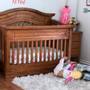 Baby crib, mattress, two ending table, changing table and a armoire for Sale in Delray Beach, FL