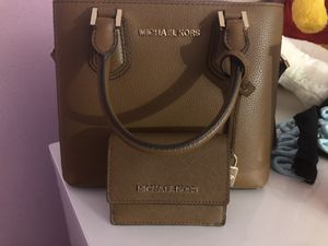 Small Michael kors purse and wallet $100 for Sale in Columbus, OH