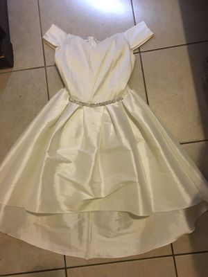 White dress for Sale in Bell, CA