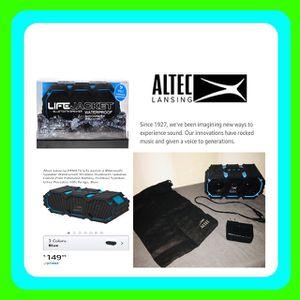 Life jacket Bluetooth speaker waterproof + shock proof like new!!! for Sale in Loxahatchee, FL