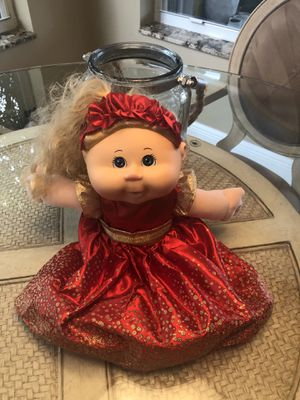 Beautiful doll for Sale in Pompano Beach, FL