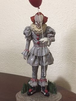 IT Chapter 2 Gallery Pennywise Statue Mint Condition for Sale in Beaverton,  OR