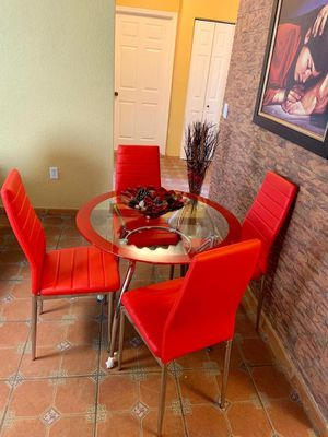Dining set 4 Chairs BRAND NEW. for Sale in Miami, FL