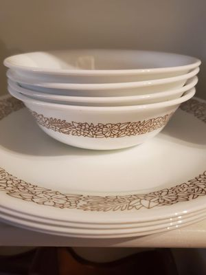 Corelle pyrex Woodland set for Sale in Pomona, CA