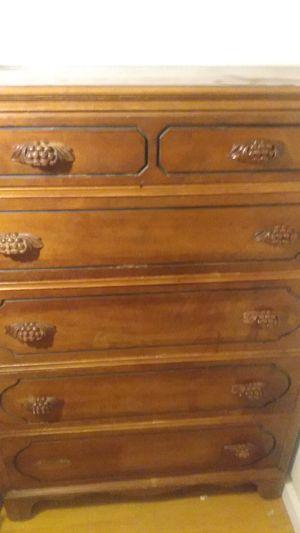 Antique 5 drawer dresser for Sale in Glendora, CA