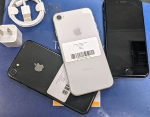 iPhone 8 64 GB Unlocked Store Warranty excellent condition for Sale in Winter Hill, MA