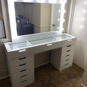 60in Makeup Vanity Dresser With Hollywood Mirror for Sale in Perris, CA