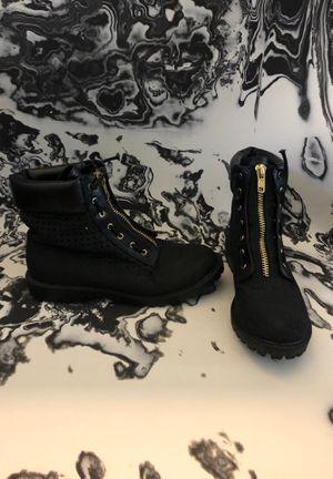 Black zip combat boots women's size 9 for Sale in Santee, CA