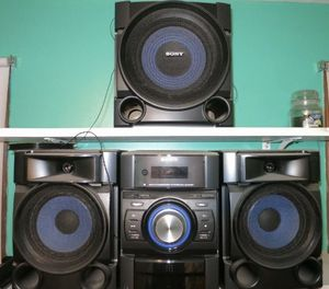 Sony speaker for Sale in Visalia, CA