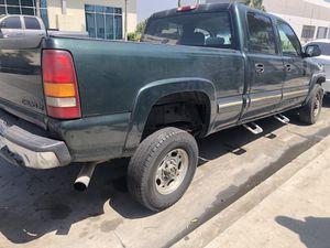 02 Chevrolet Silverado 2500hd for Sale in Compton, CA