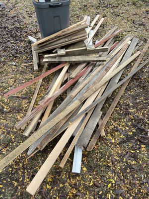 FREE Barn wood for Sale in Lombard, IL