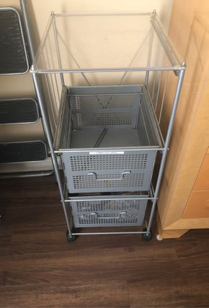 Silver metal file cabinet or one drawer at the top is broke can be fixed for Sale in Warren, MI
