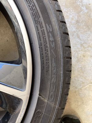 "20"" Dodge Challenger rims and tires for Sale in Algonquin, IL"