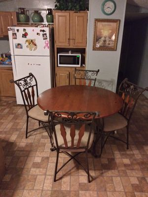 Kitchen table for Sale in Alvin, TX