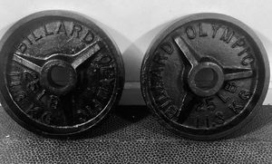 Billard deep dish vintage collectible Olympic plates 2x25lb for Sale in Queens, NY