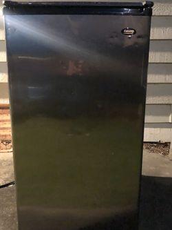 Free Mini Fridge for Sale in Lake Stevens,  WA
